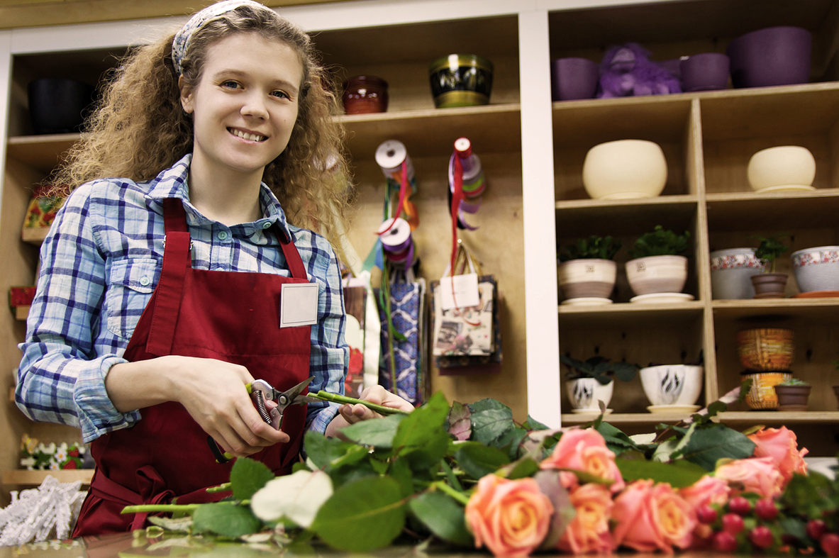 florist woman curly hair