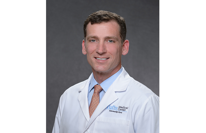 David J  Lesnik, MD, joins Tufts Medical Center Community